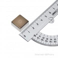 Неодимовый магнит призма 20х20х10 мм